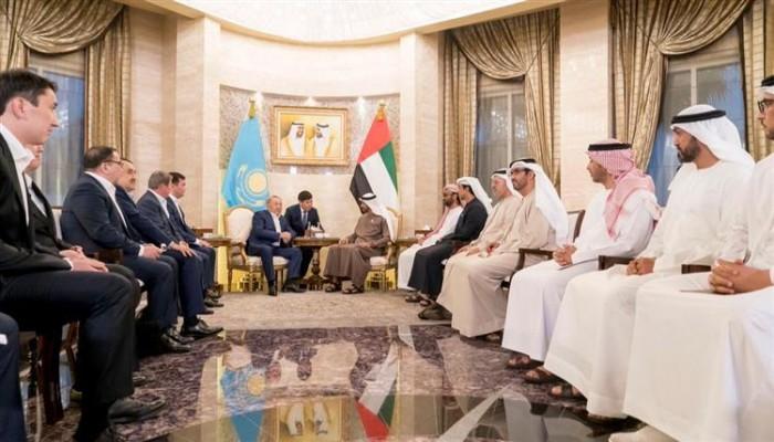بن زايد ورئيس كازاخستان يشهدان توقيع مذكرة تعاون