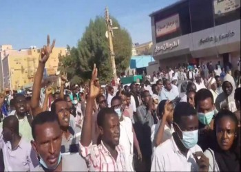 السودان.. تجدد الاحتجاجات المطالبة بتنحي البشير وإسقاط النظام