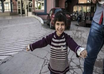 فريق تركي يعيد النور لطفلة فقدت البصر بغارة لجيش الأسد