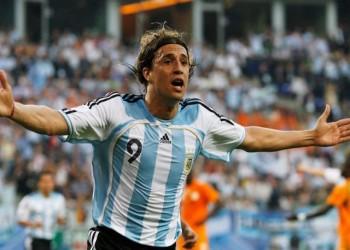 مهاجم الأرجنتين السابق ينتقد فيفا بسبب مونديال 2022