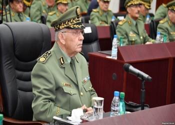 رئيس الأركان الجزائري يطالب بإعلان شغور منصب الرئاسة