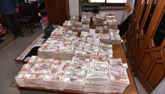مصر.. القبض على تشكيل عصابي يتاجر بالنقد الأجنبي