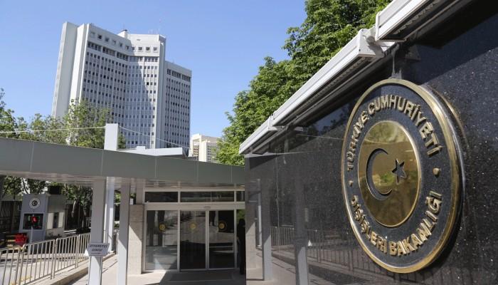 الخارجية التركية تدين قرار ماكرون بإحياء ذكرى ضحايا الأرمن