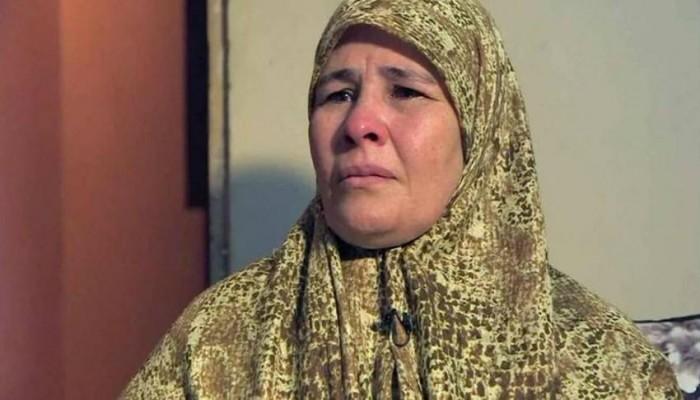 بعد اعتقالها لعام.. السلطات المصرية تطلق سراح أم زبيدة