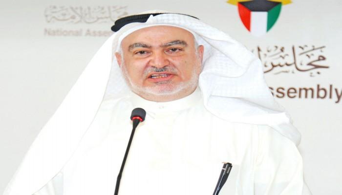 بعد تسريح الآلاف.. مطالبة نيابية برسوم على تحويلات الوافدين بالكويت