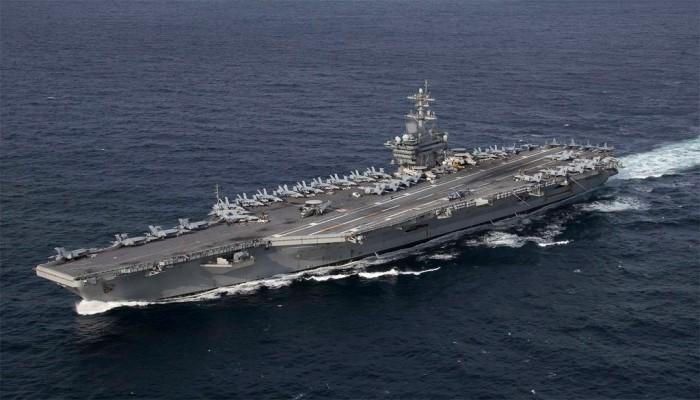 قائد أمريكي: مستعدون لإرسال حاملة طائرات لمضيق هرمز