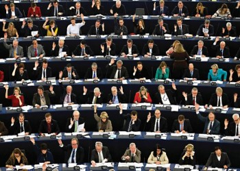 السياسيون تخلفوا