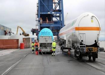 سلطنة عمان تزيد مبيعات الغاز المسال بالسوق الفورية