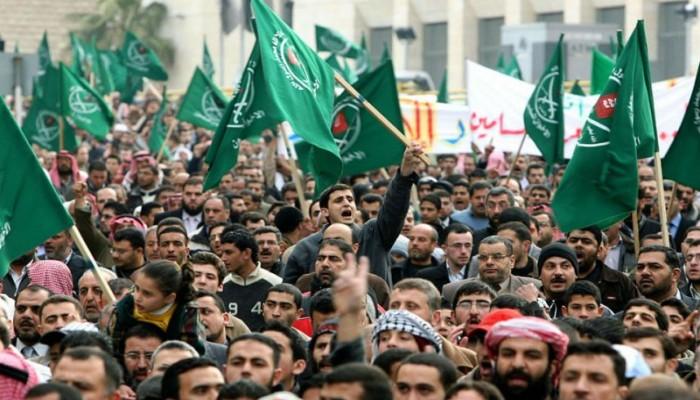 ناشيونال إنترست: مخاطر تصنيف جماعة الإخوان منظمة إرهابية
