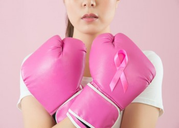 السهر والعمل الليلي يزيدان خطر الإصابة بسرطان الثدي