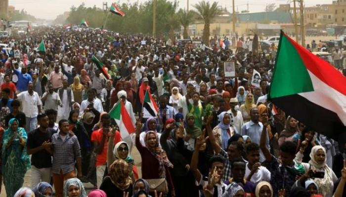 دروب انتفاضة السودان وعرة لكنها تقود إلى الحرية