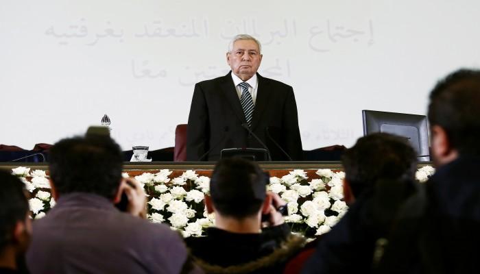 أزمة الجزائر..بن صالح يرمي الكرة في مرمى المعارضة والحراك