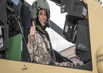 ضابطة قطرية تتسلم مهمة الاتصال مع الجيش الأمريكي