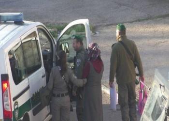 الاحتلال يعتقل سيدة مقدسية لإجبار طفلها على تسليم نفسه