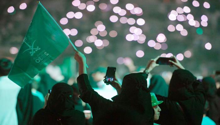 """هيئة الترفيه """"تمتهن المساجد"""" وتثير غضبا سعوديا"""