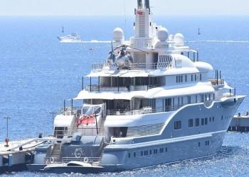 يخت الملياردير  الإماراتي الفطيم يرسو في بودروم التركية