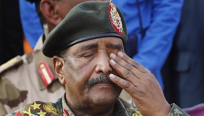 إرجاء تسليم وثيقة الفترة الانتقالية في السودان