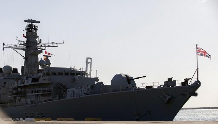 بريطانيا ترسل سفينة حربية إلى الخليج لحماية ناقلة نفط