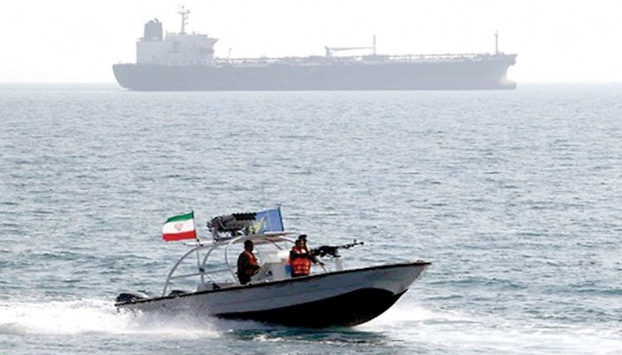 إيران تنفي اتهامها بمحاولة احتجاز ناقلة بريطانية في الخليج