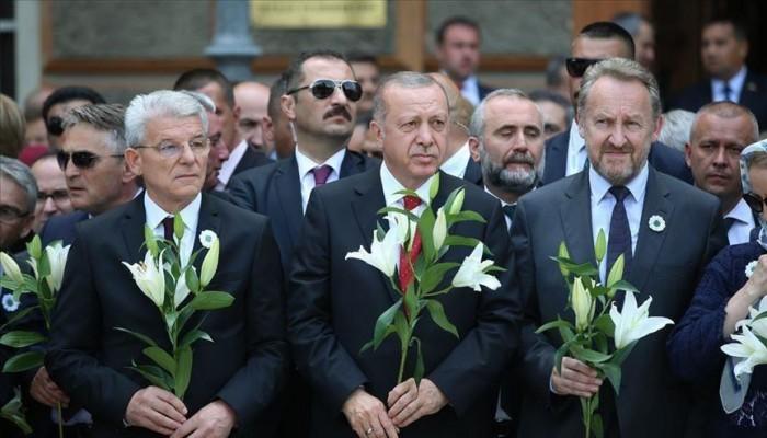 """أردوغان: التاريخ لن ينسى الإبادة الجماعية في """"سربرينيتسا"""""""