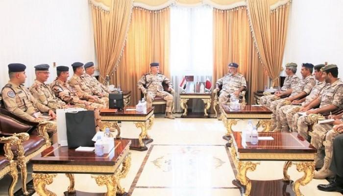 رئيس الأركان القطري يبحث مع وفد عسكري عراقي تعزيز التعاون