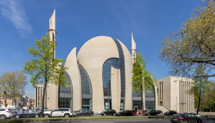 ألمانيا: إخلاء 3 مساجد بعد بلاغات بوجود متفجرات
