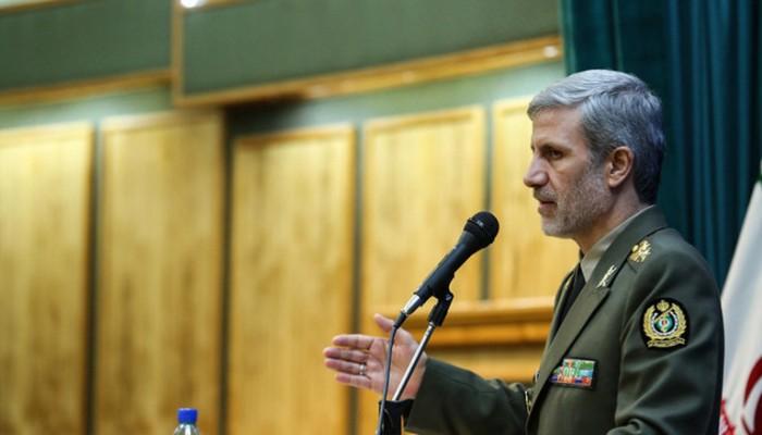 وزير الدفاع الإيراني يتعهد برد المعتدين