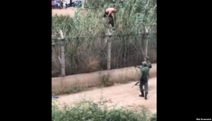 جزائري يخترق الحدود المغربية للاحتفال بتأهل منتخب بلاده