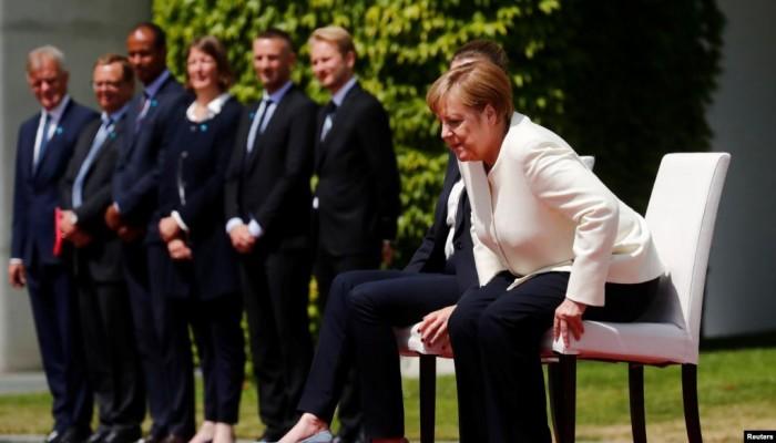 صحيفة ألمانية: نوبات ارتجاف ميركل محرمة داخل حزبها