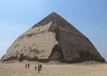 مصر تفتتح هرمين للزوار بعد إغلاق 50 عاما.. وهذه قصتهما