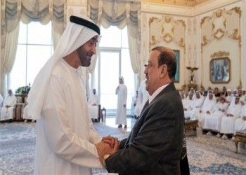 بن زايد ورئيس النواب اليمني يبحثان مستجدات الأزمة