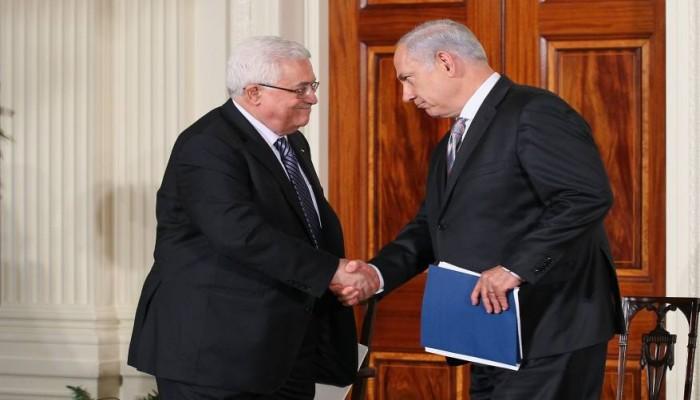 صفقة سرية بين عباس وإسرائيل لمنع انهيار السلطة الفلسطينية
