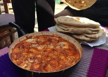 الغارديان: اللاجئون السوريون يغيرون مشهد الطعام في بريطانيا