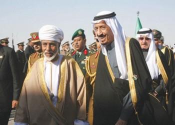 الملك سلمان وولي عهده يهنئان السلطان قابوس بيوم النهضة