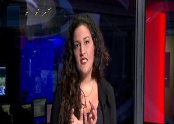 بإهانات جنسية.. ناشطة إسرائيلية تسخر من مطبع سعودي (فيديو)