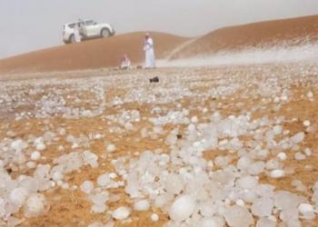 تساقط الثلج في مدن سعودية وأخرى تشهد موجات حر شديدة