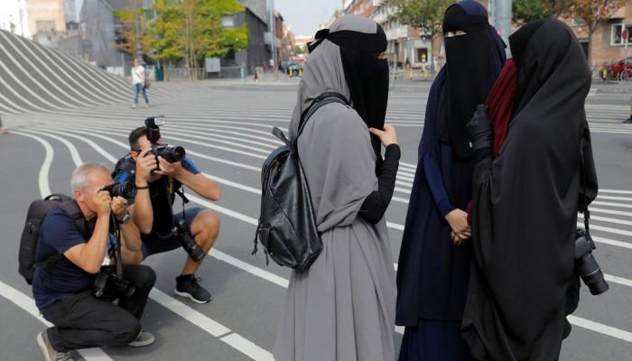 غالبية الألمان يؤيدون حظر النقاب وجدل بين السياسيين
