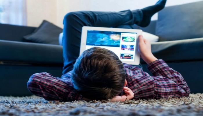 يوتيوب تعدل خوارزمياتها لدفع فيديوهات الأطفال للمقدمة