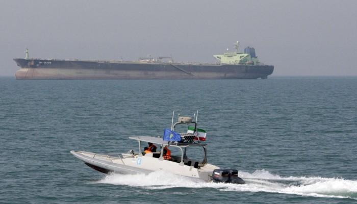 """أزمة المضائق.. نفط الخليج يبحث عن """"طاقة"""" للخروج"""