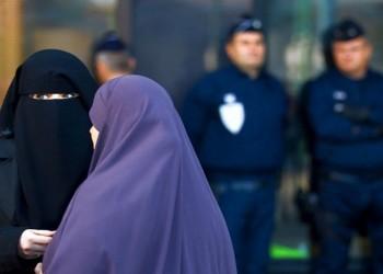 صداقة النقاب.. حماية شعبية لردع المتطرفين في هولندا