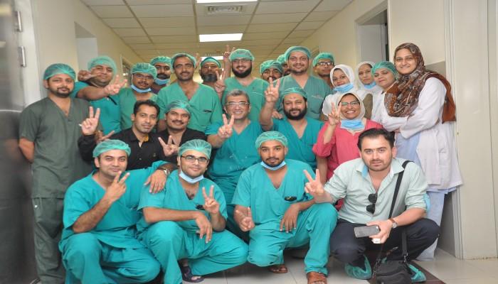 4 دول خليجية تتخذ قرارا يمهد للاستغناء عن أطباء باكستان