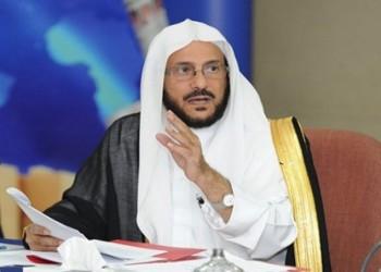 وزير سعودي يشن هجوما حادا على الإخوان المسلمين