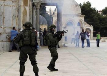 إصابة العشرات في اعتداء إسرائيلي على المرابطين بالأقصى