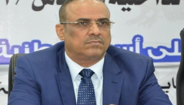 اليمن.. وزيرا الداخلية والنقل وقائد عسكري يصلون الرياض