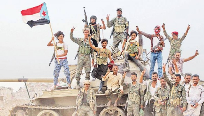 الحكومة اليمنية تبحث نقل العاصمة للمهرة بعد سقوط عدن