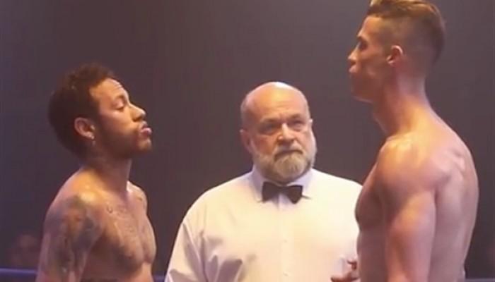 شاهد.. السر وراء النزال بين رونالدو ونيمار في حلبة الملاكمة