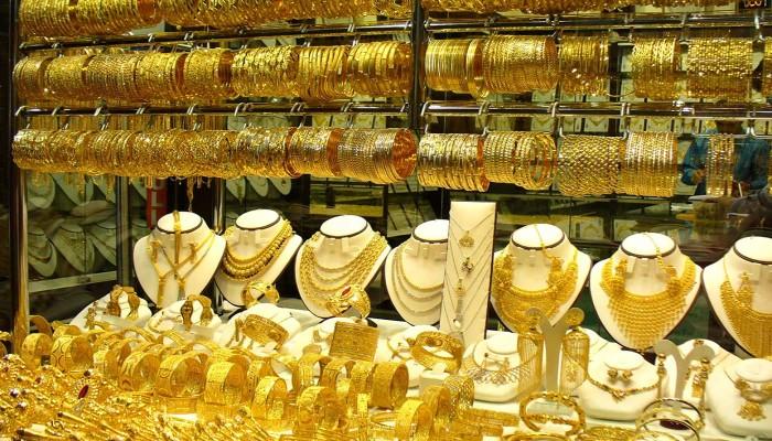 مسؤول مصري: نعيش فوق بحيرة ذهب.. وهذا سبب الغلاء