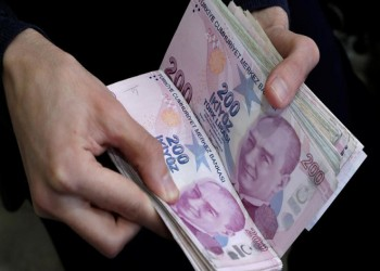 تراجع الليرة التركية 1% أمام الدولار.. هل الأرجنتين السبب؟