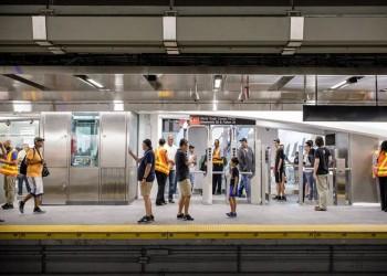نيويورك.. الشرطة تحتجز رجلا أثار الذعر بمحطة قطارات أنفاق