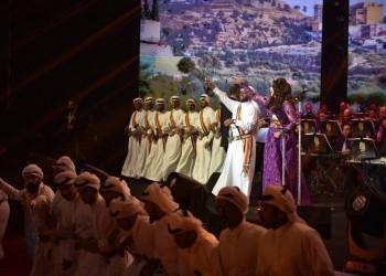 أحلام تؤدي رقصة شعبية في حفل أبها السعودية